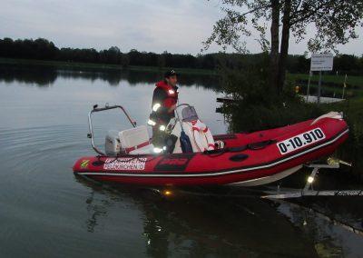 Übung-Wasserwehr-Badesee-Schlauchboot (3)