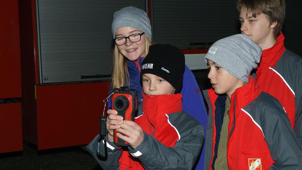 Herbstübung der Jugend: Wärmebildkamera und Saugleitung