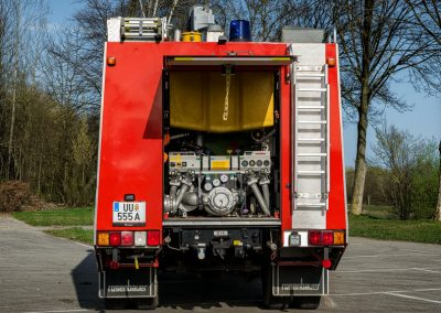 TLF-Tanklöschfahrzeug-Fahrzeug-Seite (1)