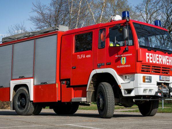 TLF-Tanklöschfahrzeug-Fahrzeug-Seite (3)