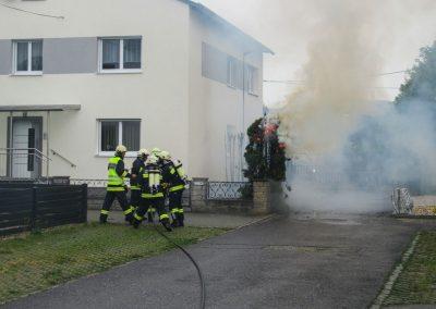 Heckenbrand-Brandeinsatz-Brunnengasse (1)