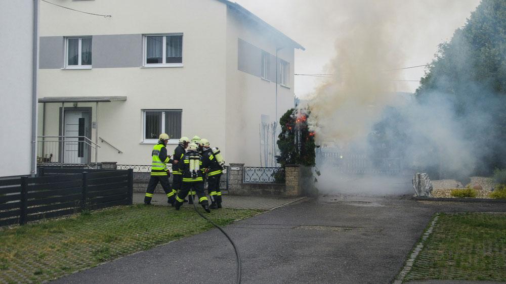 Brandeinsatz: Heckenbrand