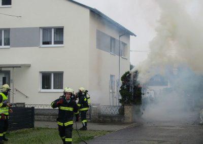 Heckenbrand-Brandeinsatz-Brunnengasse (2)