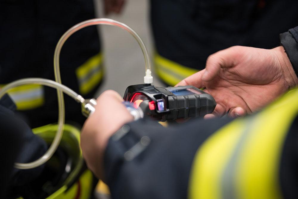 Arbeiten mit dem Gasspürgerät