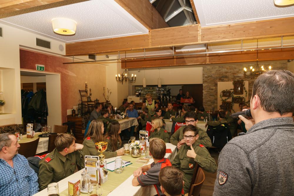 Ehrungen bei der Jugend-Weihnachtsfeier