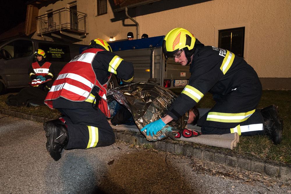 Brandeinsatz mit Verletzten in Scheune