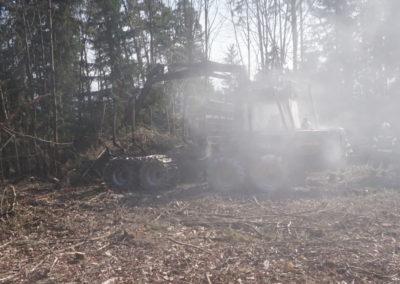 Brandeinsatz-Brand-Forstfahrzeuges (3)