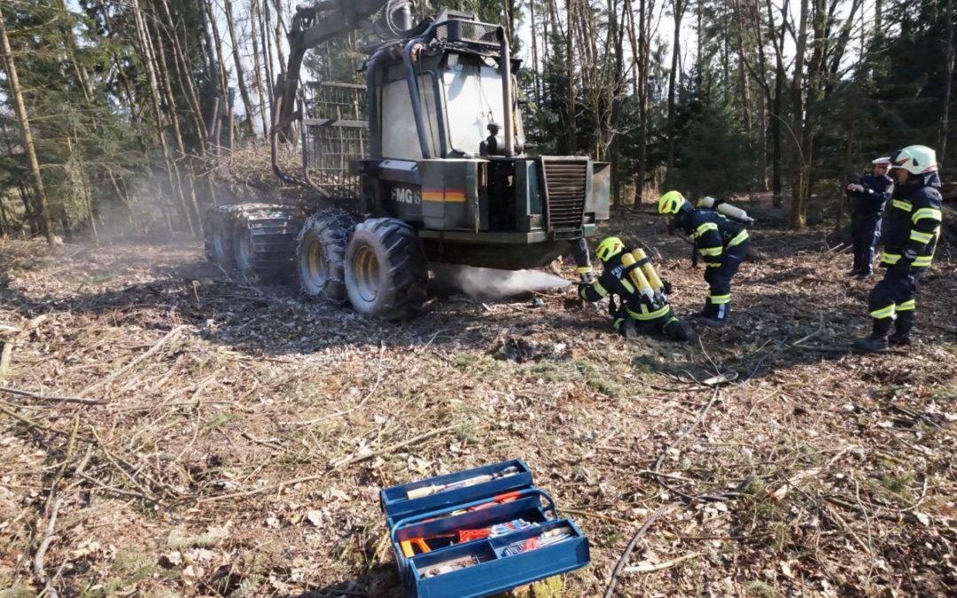 Brand eines Forstfahrzeuges