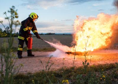 Kleinlöschgeräte-Feuerlöscher-Übung (5)