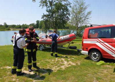 Schwan-Rettung-Badesee (1)