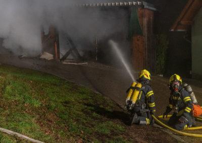 Vollbrand-Garage-Brandeinsatz (1)