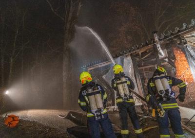 Vollbrand-Garage-Brandeinsatz (8)