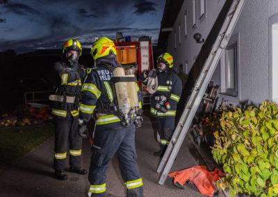 Zimmerbrand-Atemschutzwoche-Personenrettung (1)