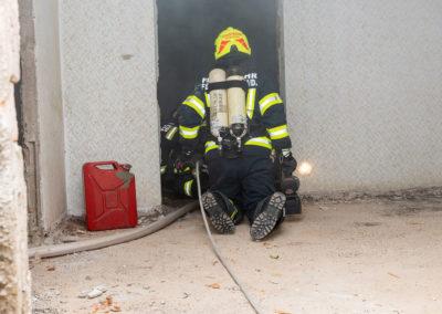 Zimmerbrand-Atemschutzwoche-Personenrettung (5)