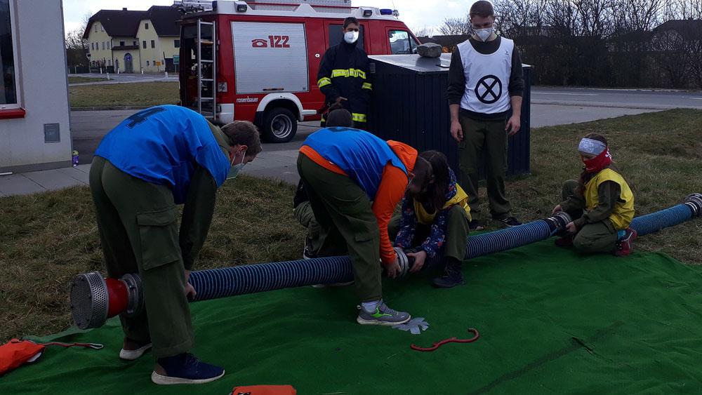 Jugendgruppe: Praktische Saugleitungs-Ausbildung