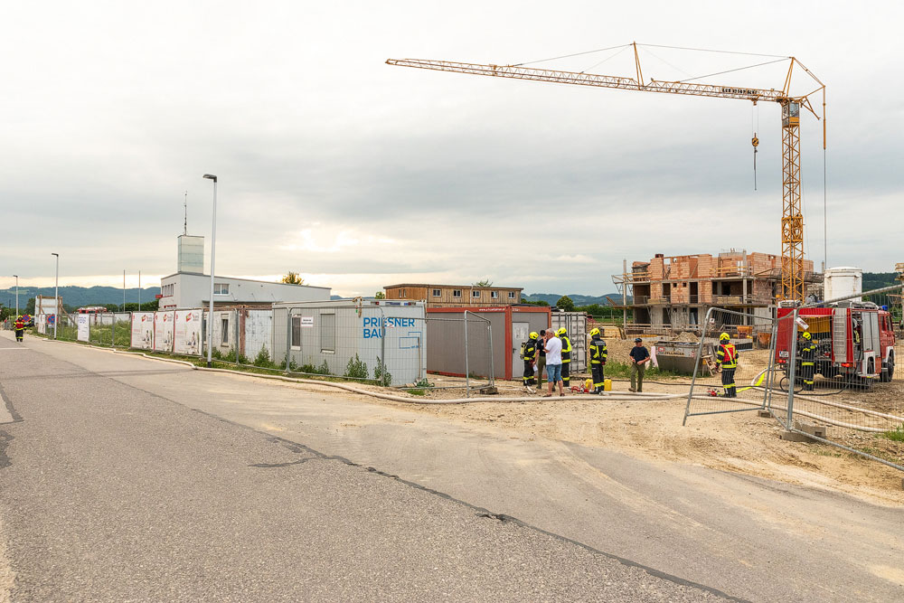 Baustelle als Übungsobjekt für Brandeinsatzübung